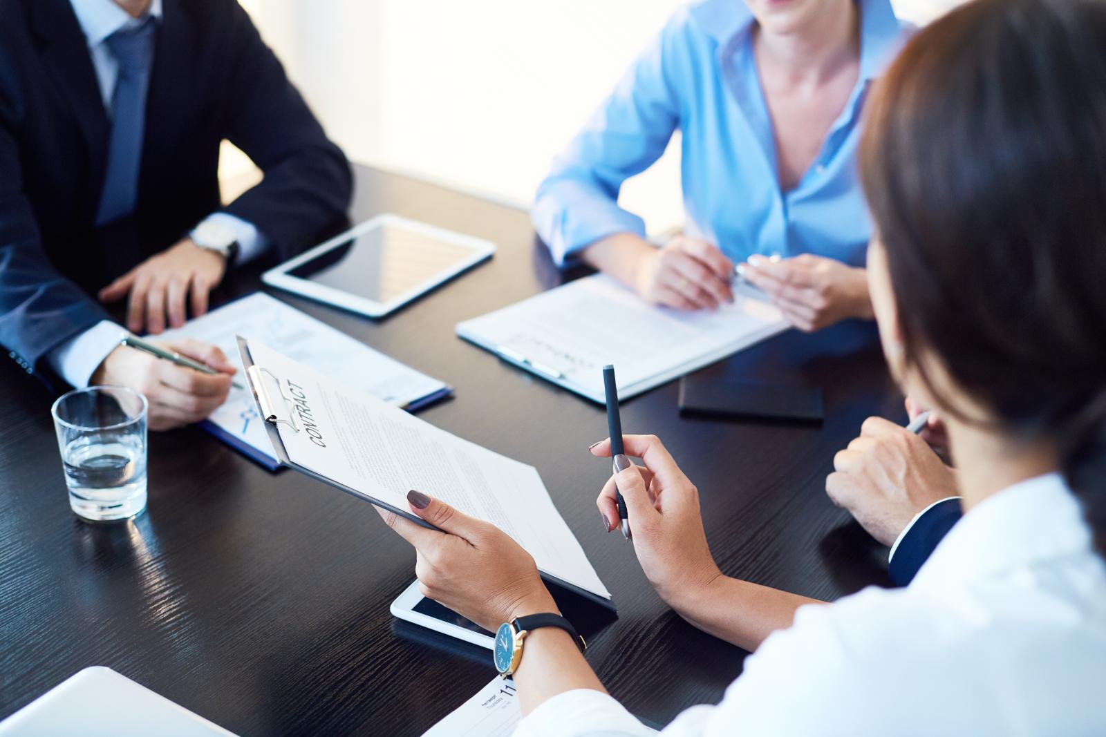 litigators discussing case