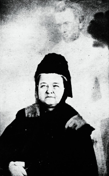 """Mary Todd Lincoln with the """"ghost"""" of Lincoln"""
