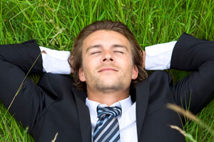 EmpBlog-7.15.2014-Suit Dreaming in Grass-iStock-PAID - RESIZED