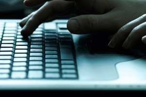 LR-hands-over-laptopkeys
